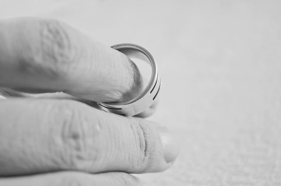איך להתגרש בזול?